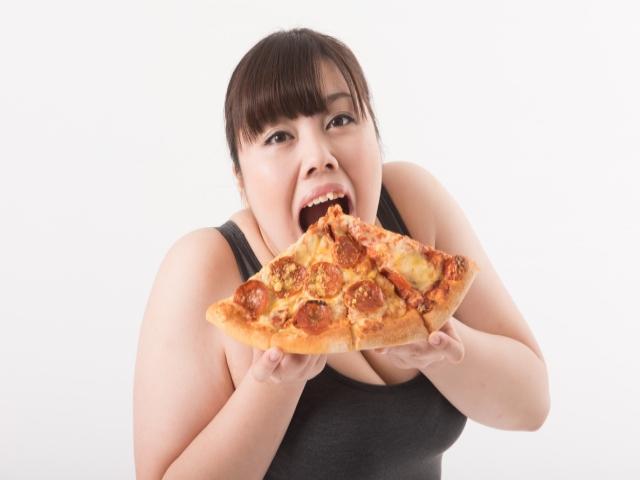 食べ過ぎて気持ち悪いときのツボって?