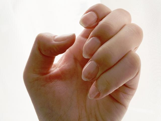 ガラスの爪磨きは初心者でもできる?どうやって使えばいいの?