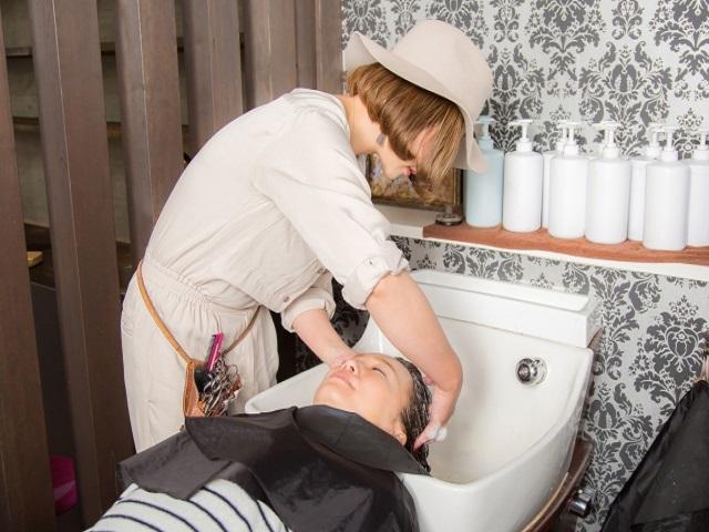 入社前に知っておきたい…美容師の過酷さとスタッフがすぐ辞める美容室の実態